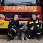 """Sećate se Obrenke spašene iz poplava? Danas """"radi"""" kao vatrogasac! (FOTO)"""