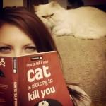 15 znakova da vaša mačka potajno planira da vas ubije!