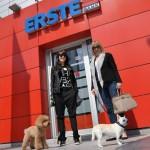 """BEOGRAD: Erste Banka postala """"pet friendly"""" – za sve OSIM za PITBULOVE!"""