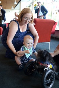 KAKVA PRIČA: Psi sa posebnim potrebama uče decu sa invaliditetom da je OK biti različit! (FOTO)