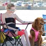 SAVRŠENO: pas koji surfuje ispunio je san dvema sestrama koje boluju od teške bolesti
