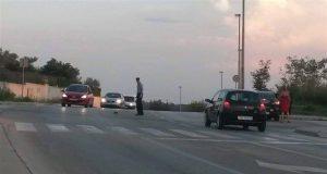 policajac pomogao ježu petface