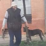 SREMSKA MITROVICA: Čovek ostavio psa vezanog za drvo u centru grada! (FOTO)