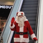 POKLONI & OSMESI: Deda Mraz je oduševio preko 240 ljubimaca u Kragujevcu