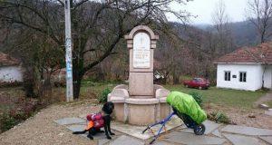 sa svojim psom prešao već preko 1500 km petface