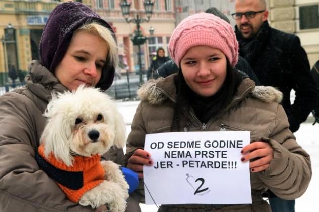 Protest protiv brutalnosti petface