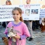 DETE ZA PRIMER: Lara ima 8 godina, a bori se za prava životinja!