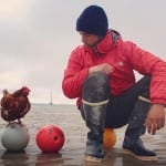 ZAVIDIMO JOJ: Monik je kokoška koja sa svojim vlasnikom putuje po svetu! (FOTO)