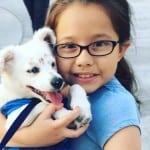 DIRLJIVO: Gluva devojčica uči udomljeno, gluvo štene znakovnom jeziku!