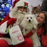 NOVA GODINA: Deda Mraz misli i na napuštene ljubimce
