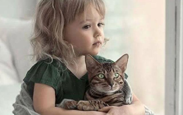 deca ćele ljubimca na poklon od roditelja