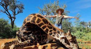 ubila žirafu pa se slikala